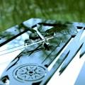 Фотографии Часы Девушка в автомобиле (образец)