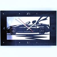 Часы Девушка в автомобиле (образец)