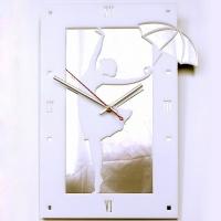 Часы Девушка с зонтиком белые (образец)